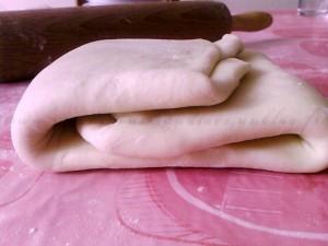 Croissants et pains au chocolat dans Croissants ou pains au chocolat patefeuilletecopie.vignette